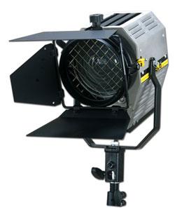 Аренда аккумуляторного прожектора H.M.I. 200 W flicker free